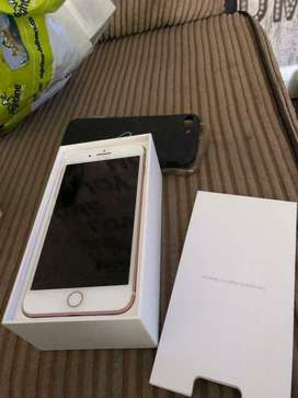 iphone 7 plus unlocked whatsap me for R 4 400