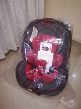 Joie Stages Car Seat & car seat mat & free child view mirror