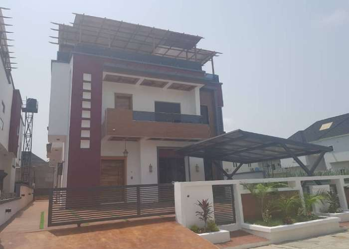 Full Detached 5 Bedroom Duplex with a Swimming Pool and Roof Top Loung 0