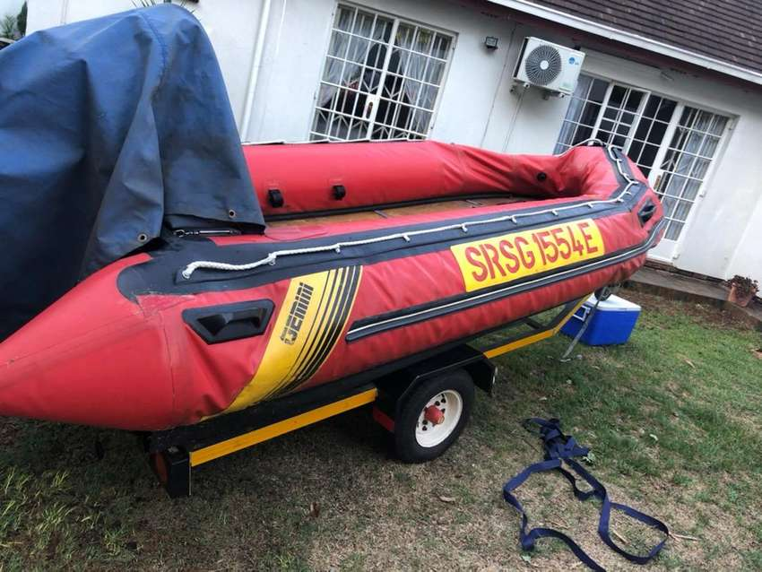 Gemini inflatable 4.2 with highjakcers boat 0