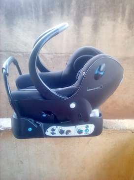 Car seats for sale