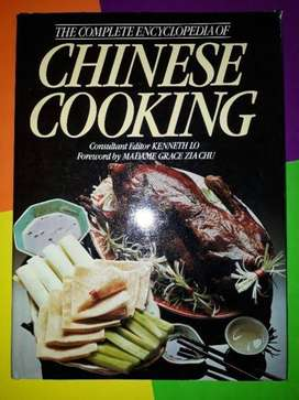 The Complete Encyclopedia Of Chinese Cooking - Madame Grace Zia Chu.