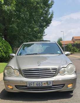 2007 C180 Mercedes Benz R52000 Slightly Negotiable (Manual)