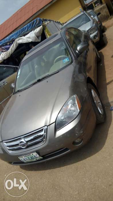 Nissan Altima in a perfect shape 0