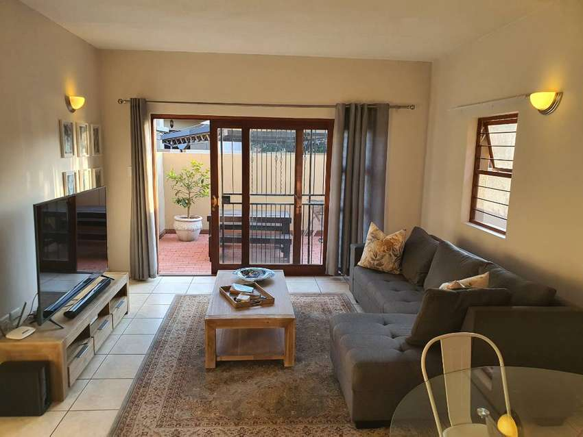 Beautiful modern duplex to rent in Pretoria East 0