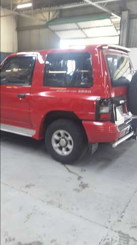 Mitsubishi Pajero breaking for Spares