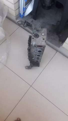 Nissan np200 /Renault clio 8 value cylinder head