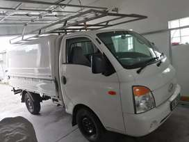 Hyundai h100 2.7 diesel with canopy