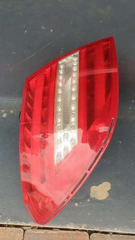 W204 left tail lamp