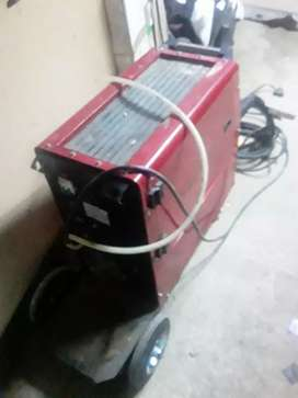 Am selling alminiam  welding machine