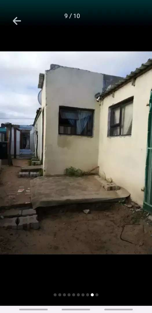 House for sale in Macassar 0