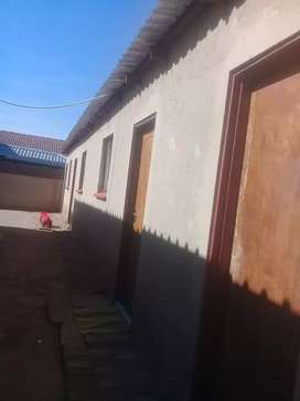 Room to rent katlehong