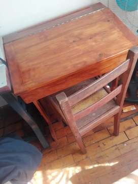 School desk an chair