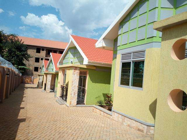 adorable self contained 2 bedrooms in kisasi at 500k 0