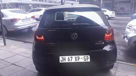 A Vw Polo 1.6 Comfortline 2014 model, black in color, 87000kms