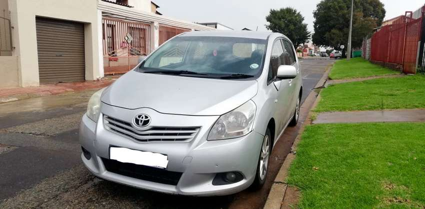 Toyota Corolla Verso (Mint condition) 0
