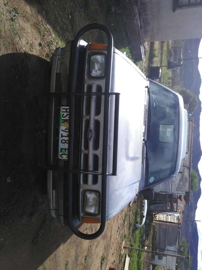 Ford courier double cab. 0