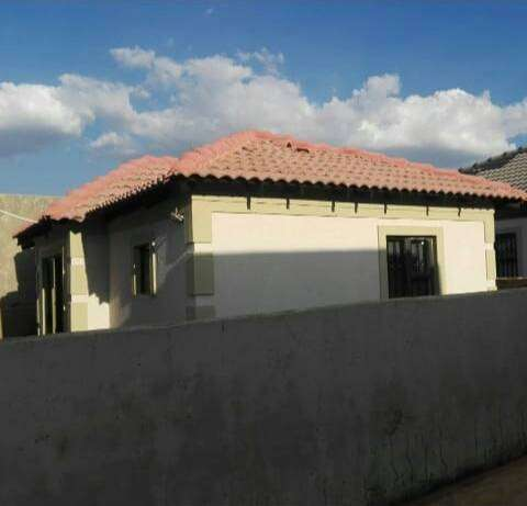 Rent a two bedroom house in Clayville Ext 29
