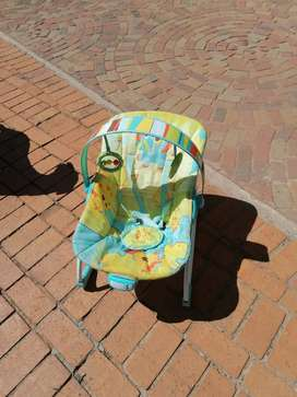 Baby bouncer chair with chimes