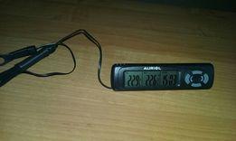Cyfrowy zegar z termometrem