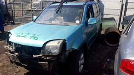 srripping nissan xtrail for spares and parts