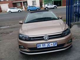 2018 Volkswagen polo 8 1.0 R line TSI with sunroof and leather seats.