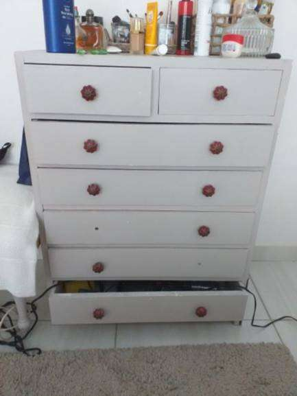 Chest of drawers for sale 0