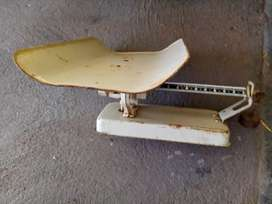 Baby scale, very old