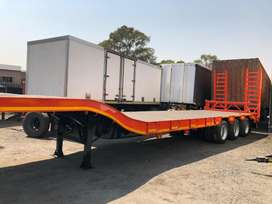 Heavy duty lowbed trailer