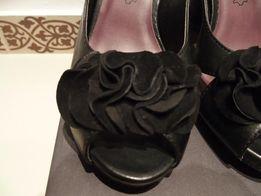Buty letnie skórzane firmy Tamaris (rozm. 38)