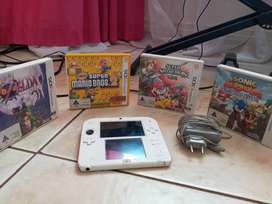 Nintendo 2DS Red In Good Condition + 4 Games
