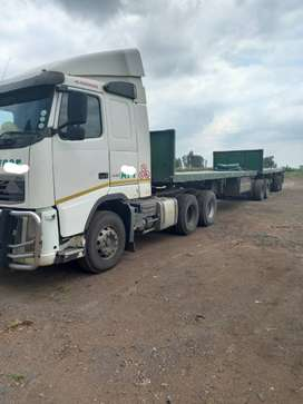 Volvo FH440 Truck and interlink combo