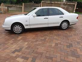 Classic Mercedes E280 '99 for sale