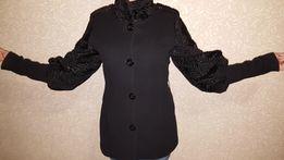 Кашемировое пальто с каракулем