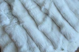 Шкуры кролика выделанные белые оптом продам.