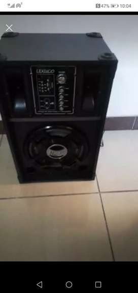 Speaker with build in Amp loud sound 12inch for sale R1600