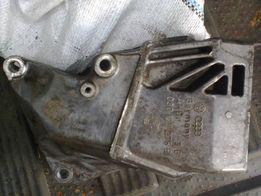 Кронштейн подушки двигателя