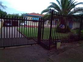 BIG Room 4 rent R 2400 Incl -Electric & water) inc.