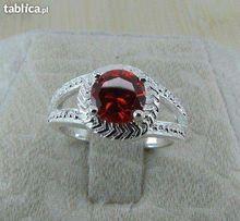 efektowny pierścionek roz.18 oznaczenie925