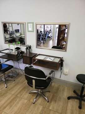 Salon chair available to RENT in Bellville