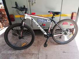 Selling a RALEIGH MOUNTAIN BICYCKE FOR R1750