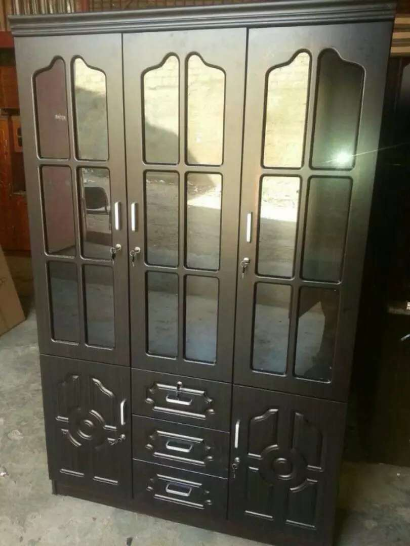 3doors cupboard 0