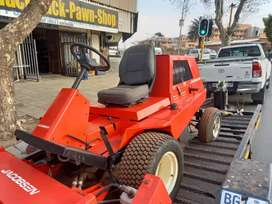 Jacobson Ride on Mower with 1.8m cutting attachment (Price Negotiable)
