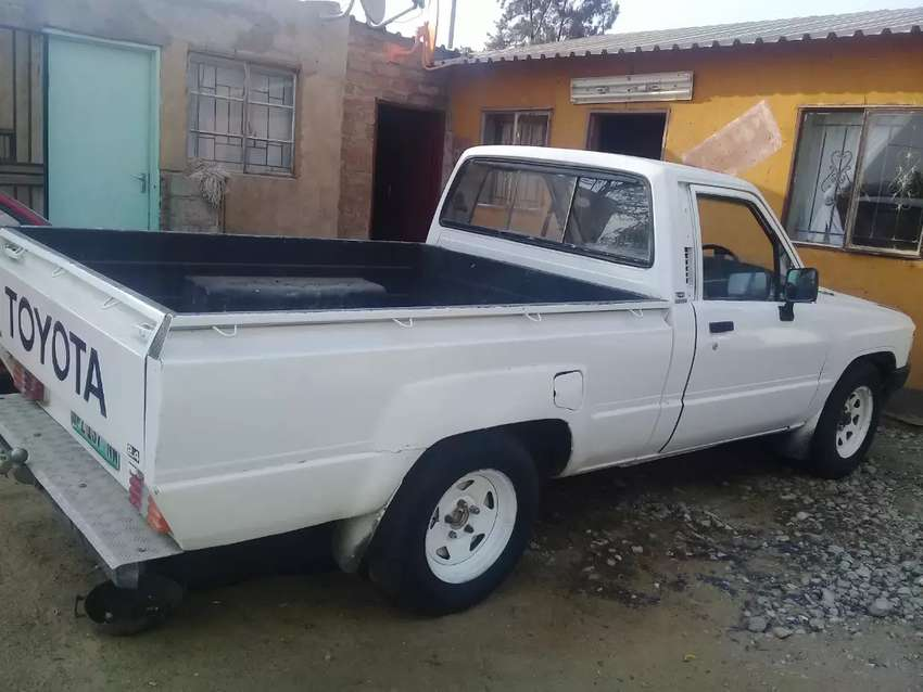 Toyota hilux 2.4 diesel just for R48 000 0