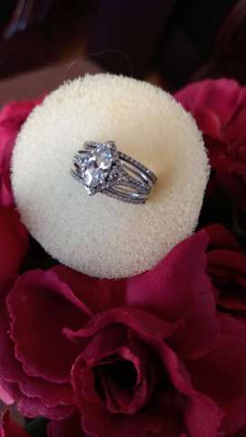 Diamond and white gold Wedding ring