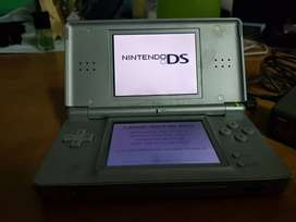 Nintendo ds lite with 1 game