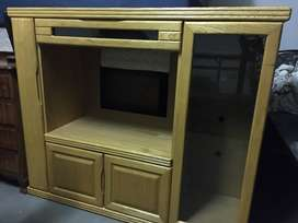 Second hand tv stand