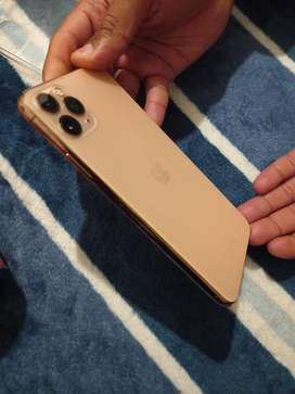 iphon 11 pro max Gold 512 gig with airpods 2
