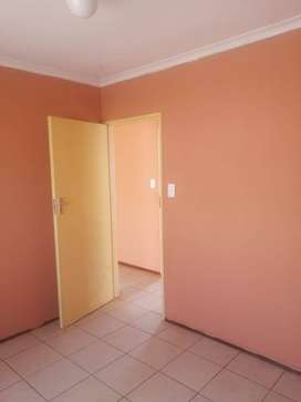 2 bedroom house for rental in Protea Glen ext 26 for R4000. Secured