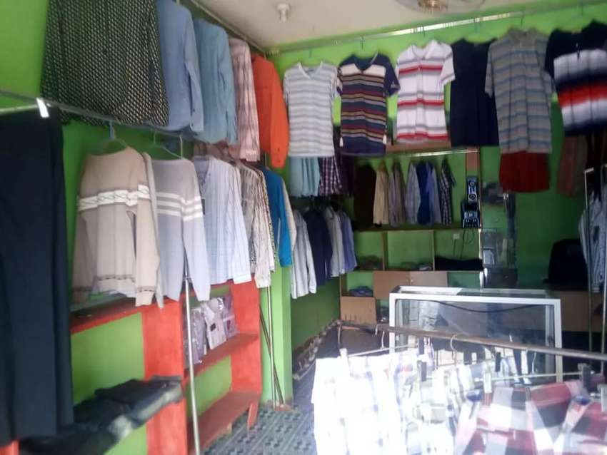 Men's boutique on sale good will in bweyogerere at 6.5million 0